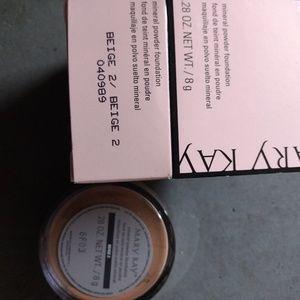 Beige 2 powder foundation